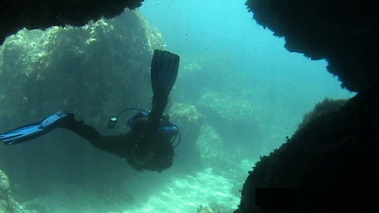 Dive-site-photo-Ammoudi Reef-Crete.jpg